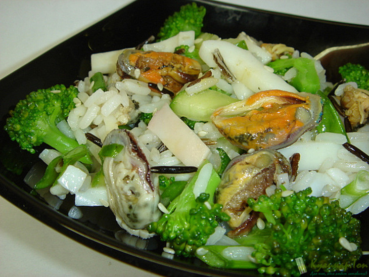 Салат с мидиями кальмарами рецепты с