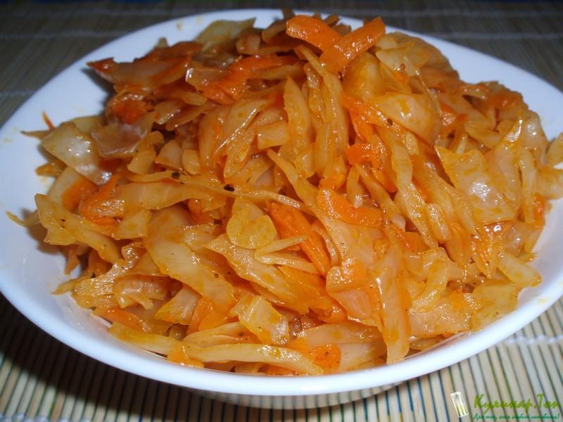 Сколько тушить квашеную капусту на сковороде