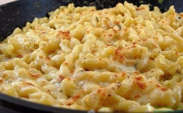 Спагетти с сыром на сковороде