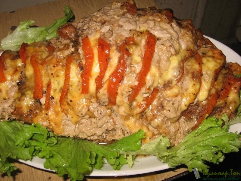 Мясо с сыром грибами и помидорами в духовке рецепт