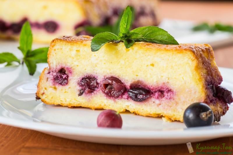 Творожный пирог с ягодами в духовке рецепт