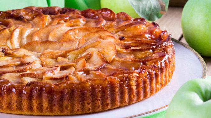 Пирог с яблоками и творогом с фото пошагово