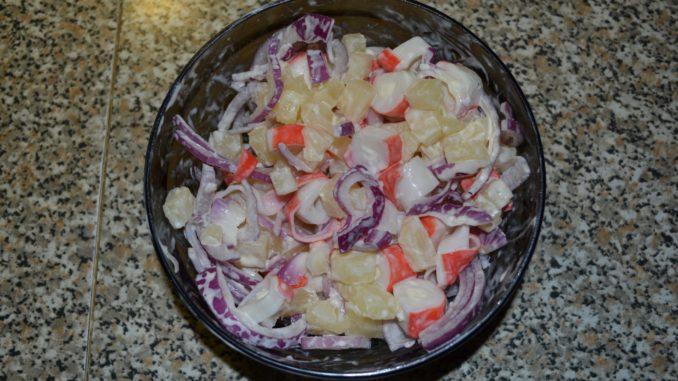 Как приготовить салат из ананасов фото