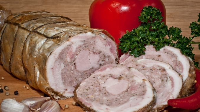 Мясные рулеты из свинины в домашних условиях