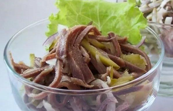 Салат с языком говяжьим с маслом
