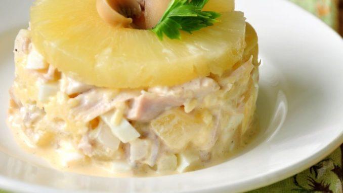 Салат с курицы и ананасом и грибами рецепт с пошагово