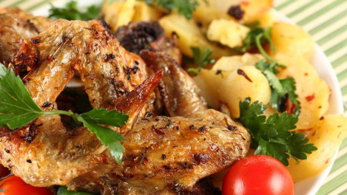 Что приготовить из куриных крылышек на ужин