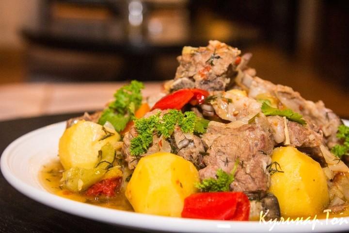 Тушеное мясо по узбекски
