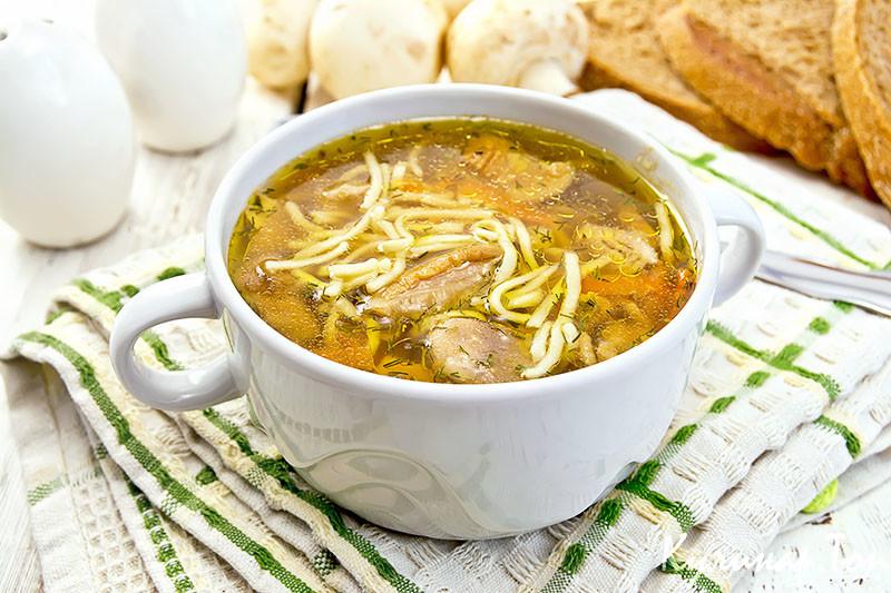 Куриный суп с белыми сушеными грибами рецепт