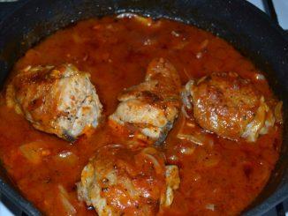 Курица в томатном соусе с прованскими травами